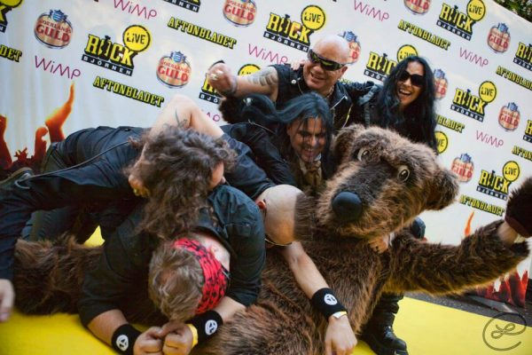 The bear orgy 2013 by Lizette & and The Rock Bear.